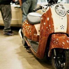. Honda Metropolitan, Small Motorcycles, Scooter Custom, Metro Style, 50cc, Motorcycle Art, Tricycle, Scooters, Airplanes