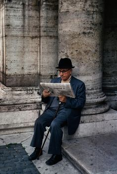 Reading the Morning Paper ~ Rome, Italy