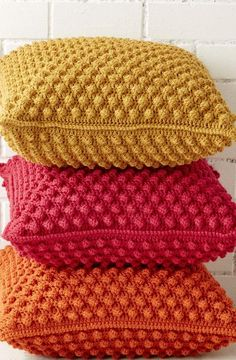Crochet pillow case: See tutorials and templates – New decoration styles – The Best Ideas Crochet Pillow Cases, Crochet Cushions, Knit Pillow, Sewing Pillows, Crochet Edging Patterns, Crochet Lace Edging, Crochet Baby, Vintage Pillow Cases, Vintage Pillows