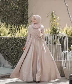 Fashion Tips Body Elegant Hijab Dress Hijab Prom Dress, Hijab Gown, Muslimah Wedding Dress, Hijab Evening Dress, Muslim Wedding Dresses, Bridesmaid Dress, Dress Outfits, Hijab Outfit, Dress Muslim Modern