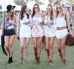 El blanco es el color de moda en Coachella