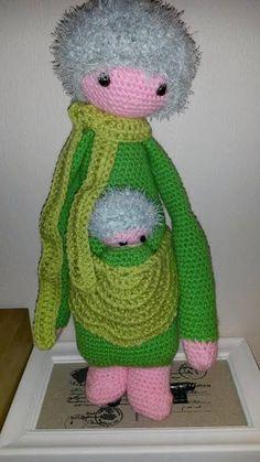 KIRA the kangaroo made by Fran van T. / crochet pattern by lalylala