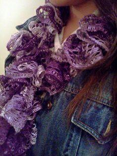 DIY Sashay-Starbella yarn Scarves: Easy steps. I just learned it a day ago! @ DIY Home Ideas