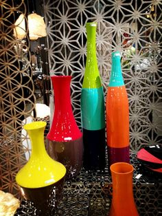 Sustainable Form + Color + Geometric Pattern - TW  hgtvdecorating HGTV Design Happens  These trendy color-blocked vases (and the geometric wall hanging) are made entirely from paper. #hpmkt pic.twitter.com/EvC1Blu7Er #Spring #HPMKT2013