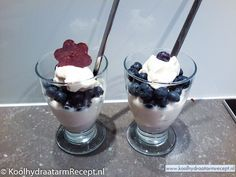 ricotta roomtoetje Ricotta Dessert, Low Carb Cereal, Pudding Desserts, Low Carb Desserts, Food Inspiration, Sugar Free, Delicious Desserts, Blueberry, Sweet Tooth