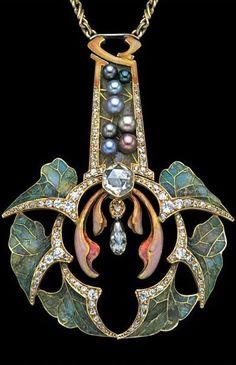 'Feuilles d'Automne' pendant Art Nouveau Jewelry, ca.1902.