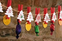 Why not compose your own daily blessings and peg onto this Scandinavian style advent garland? Features numbered Christmas tree wooden pegs to attach to the hanging string. Approximate size: 5 x 7 x 170cm