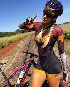 Mountain Biking Women, Road Bike Women, Bicycle Women, Bicycle Race, Bicycle Girl, Cycling Girls, Female Gymnast, Womens Workout Outfits, Girls In Leggings