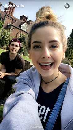 Lovers on the moon. Boy And Girl Best Friends, Zoella Beauty, Just Video, Zoe Sugg, Beauty Youtubers, Vlog Squad, The Fam, Dan And Phil, Beautiful Person