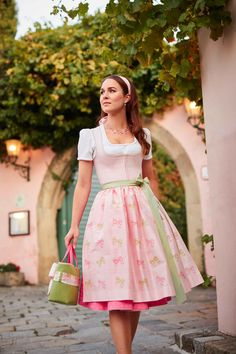Paisley, Dirndl Dress, Glamour, Traditional Dresses, Tulle, Breast, Skirts, How To Wear, Salzburg