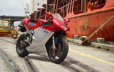 Supersportler MV Agusta, F4 #mv #mvagusta #italiandesign