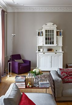 Small table betwwen sofas Floor lamp