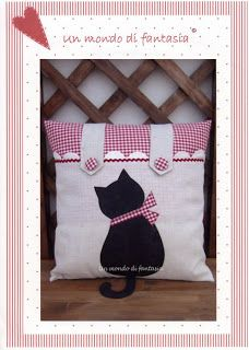 Arte de Tereza: Almofada com gato preto-modelo e molde