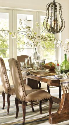 Rustic Dining Room. don't care for the chandelier though