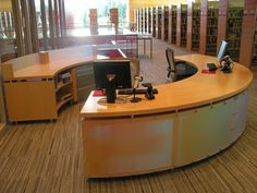 Home library desk inspiration 62 ideas Info Desk, Living Room Nook, Library Inspiration, Library Ideas, School Library Design, Reference Desk, Library Organization, Community Library, Library Furniture