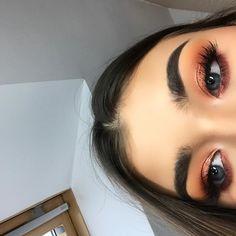 "7,692 Likes, 64 Comments - Wiskola (@wiskola) on Instagram: ""makeup details~previous post 🎃🍂🍯🍷"""