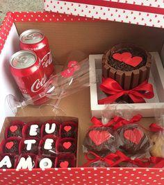 Cupcakes Originales Novio Ideas For 2019 Valentine Day Cupcakes, Birthday Cupcakes, Diy Birthday, Valentines Diy, Birthday Gifts For Boyfriend, Boyfriend Gifts, Cupcake Gift, Romantic Surprise, Valentine's Day Diy