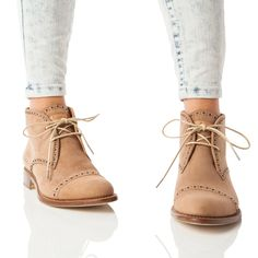 A Rugged Nostalgic Style Plus Incredible Cushioned Comfort Equals An Instant Clic With Clarks Originals Women Desert Boot Take St