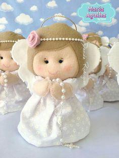 Christmas Ornament Crafts, Felt Ornaments, Christmas Wishes, Christmas Diy, Christmas Decorations, Pregnancy Gift For Friend, Pregnancy Gifts, Felt Dolls, Doll Toys
