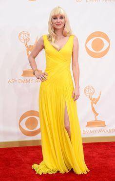 Anna Faris in Monique Lhuillier at the 2013  Emmys Monique Lhuillier Dresses cde227792945