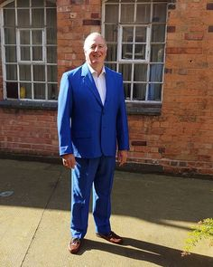 Here we have a suit for the father of the  bride. . . . . . . . .  karlusg-tailor.co.uk  Allaboutewe.co.uk Fabric  @batemanogden918 @harrisons1863  #suit #jacket #wool #mohair #blue #humpday #bespokesuit #bespoketailor  #handmade #vogue #gq #tailor  #essence #mensfashion  #wedding #bride #birmingham #UK #business #stylish #man #father #photography #fashionshow #karlusgstudio #allaboutewe #hilsdmd #karlusgtailor #Showtime  #weddingideas Bespoke Suit, Bespoke Tailoring, Birmingham Uk, Stylish Man, Fashion Show, Mens Fashion, Father Of The Bride, How To Make Money, How To Wear
