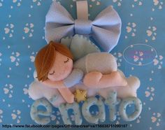 Fiocco di nascita con bebè in feltro – Cartamodello. Felt Name Banner, Name Banners, Baby Crafts, Diy And Crafts, Felt Patterns, Frame Wreath, Welcome Baby, Felt Toys, Felt Ornaments