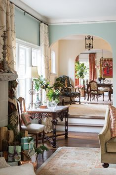 A love for color and classic style directed the interior design for this family home, where thoughtfully chosen adornments celebrate the… My Living Room, Home And Living, Home And Family, Antique Interior, Farmhouse Interior, Beautiful Houses Interior, Beautiful Homes, Porches, Tiny House