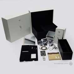 The full package from the headphones! High End Headphones, Usb Flash Drive, Audio, Heaven, Sky, Usb Drive, Paradise