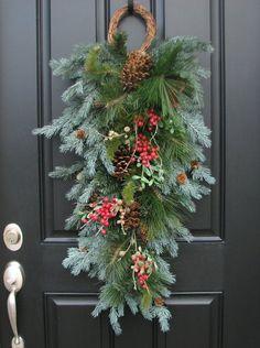 この画像は「クリスマススワッグの作り方とデザイン」のまとめの5枚目の画像です