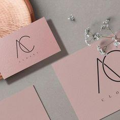 Nenhuma descrição de foto disponível. Minimal Business Card, Business Card Logo, Business Card Design, Logo Branding, Branding Design, Cute Simple Nails, Rose Gold Painting, Nail Room, Hand Lettering Alphabet