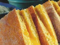 These Portuguese 'napkins' are delicious. Portuguese Desserts, Portuguese Recipes, Portuguese Food, Sweet Recipes, Cake Recipes, Dessert Recipes, My Favorite Food, Favorite Recipes, How Sweet Eats