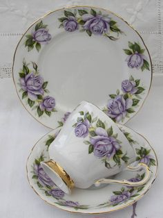 Paragon Tea Cup Harry Wheatcroft Roses Bone China Tea Cup