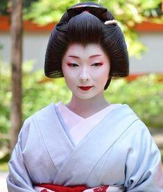 Japanese History, Japanese Culture, Japanese Geisha, Japanese Beauty, Traditional Japanese Art, Traditional Dresses, Summer Kimono, Japanese Characters, Samurai Warrior