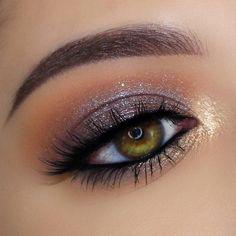 make-up; oog make-up; make-up tutorial; make-up looks; oog make-up tutorial; make-up ideeën stap voor stap; Dramatic Eye Makeup, Purple Eye Makeup, Eye Makeup Steps, Colorful Eye Makeup, Makeup For Green Eyes, Colorful Eyeshadow, Smokey Eye Makeup, Eyeshadow Makeup, Eye Makeup For Hazel Eyes