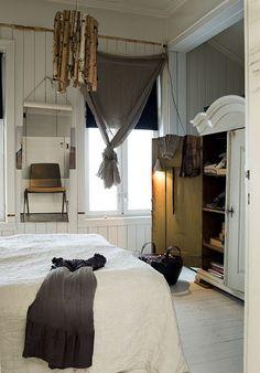 Love. Gray curtain, black shade. White floors, wardrobe.