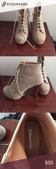 """Suede Lita Boots A gorgeous pair of tan shade """"Lita"""" boots that I purchased on Amazon- has only been worn one time!!! In amazing condition! Chunky brown heel makes for easy movement when on the go! Shoes Ankle Boots & Booties"""
