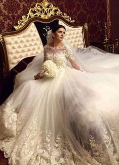 Victorian Ball Gown Wedding Dresses 2016 Long Sleeves Flowers Appliques Vintage Bridal Gowns