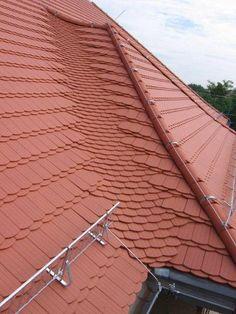 Besondere Biberschwanzdeckung der Dach- und Fassadenbau GmbH Jens-Norbert Schmidt in Teuchern (06682) | Dachdecker.com