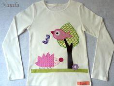 *Kindershirt*Kindershirt*Kindershirt*    Ein aufwändig gestaltetes Kindersshirt mit Eurem Wunschzahl in Weiß aus 100% Bio-Baumwolle.  Gerne kann auf d