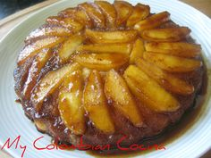 We also call to this cake 'pudín volteao' and we try to make the most of all the fruits we have. I love this recipe because it is so simple and so Comida Latina, Apple Recipes, Cup Cakes, French Toast, Sweets, Breakfast, Food, Recipes, Tortilla Pie