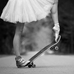Skateboarding Ballerina by Mateusz Strelau. (original in colour)