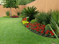 63 ideas for backyard patio designs lawn Front Garden Landscape, Garden Fencing, Backyard Patio Designs, Small Backyard Landscaping, Landscaping Ideas, Side Garden, Lawn And Garden, Small Gardens, Outdoor Gardens