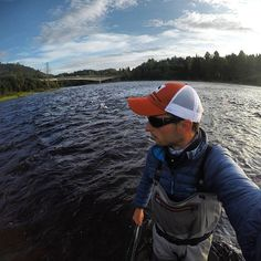 Looking for salmon.  #laks #laksefiske #salmon #atlanticsalmon #fluefiske #flyfishing #flugfiske #flyfishigfanatics #fishing #utpåtur #norwayfishing #norge #norway #visitnorway #visionflyfishing #simmsfishing #thetugisthedrug #stormberg #photooftheday #nature #nfisk #nfiskno #anglerno #relax #gopro #brufoss #brufossfiske #loonoutdoors #rioproducts