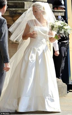 Zara Phillips wedding to Mike Tindall at Canongate Kirk: Royal princess marries rugby ace   Mail Online