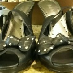 """Michelle D - Black leather heels Beautiful black leather heels (3-1/2""""). This is very soft leather and the shoes have been gently worn. There is one little Nick on the lower end of the left heel. Michelle D Shoes Heels"""