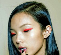 makeup inspiration, mod, minimal, bright