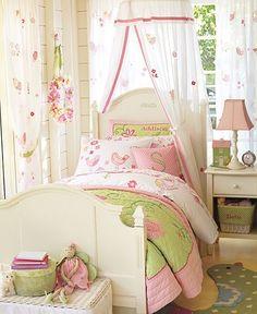 pink & green bedroom - girl's bedroom - Casa da Anita: Quartos fofos com idéias originais