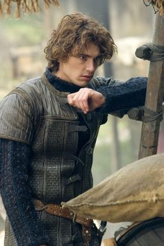 Tristan - James Franco in Tristan and Isolde, set in the 6th century (2006).