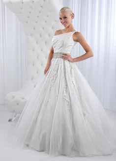 Gorgeous sleeveless ball gown floor-length wedding dress