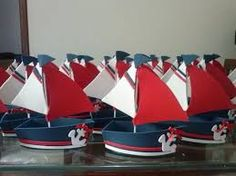 : Foami and paper boats- Manualidades Crafts tutorials IDEAS.: Foami and paper boats Manualidades Crafts tutorials IDEAS.: Foami and paper boats - Sailor Party, Sailor Theme, Navy Party, Nautical Party, Nautical Nursery, Shower Bebe, Baby Boy Shower, Baby Shower Marinero, Navy Birthday